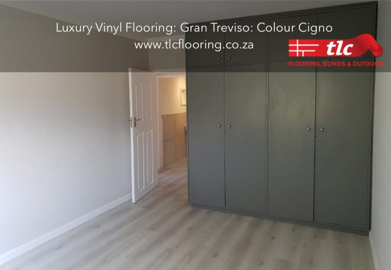 Gran Treviso Luxury Vinyl planks Vinyl Flooring. Colour Cigno 2