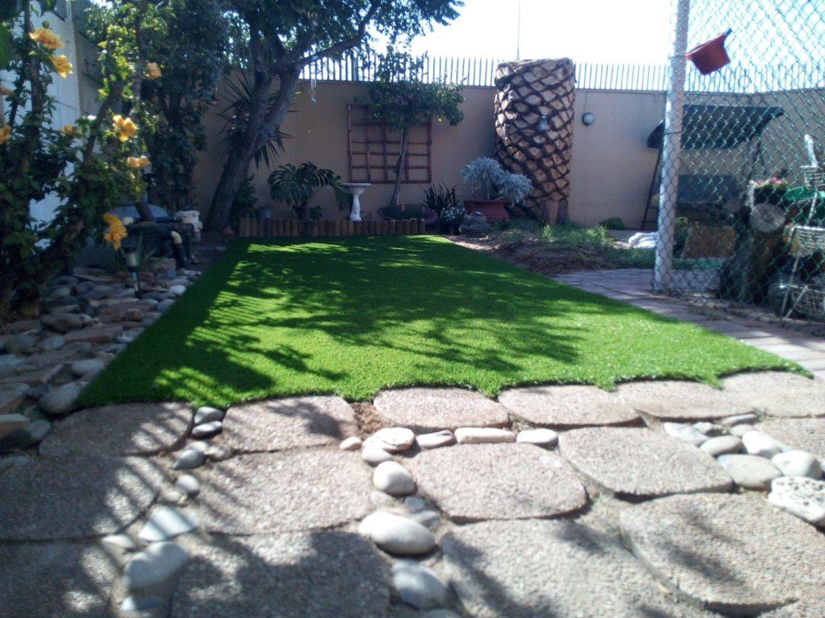Synthetic Grass Installation Finishing Off