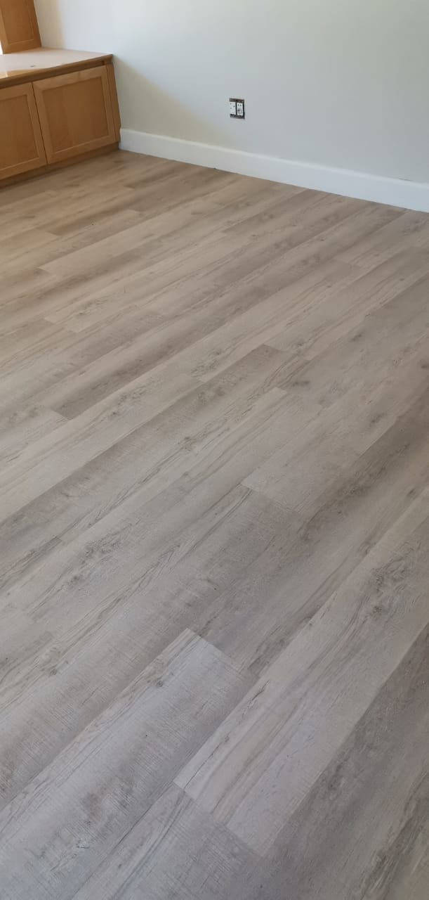 Como Earth luxury vinyl floor planks