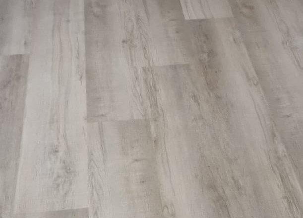 Como Earth luxury vinyl floor planks