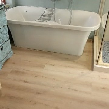 Aspen Original vinyl planks. Sandi colour. 3mm planks with a 0.55 wear layer 1
