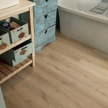 Aspen Original vinyl planks. Sandi colour. 3mm planks with a 0.55 wear layer