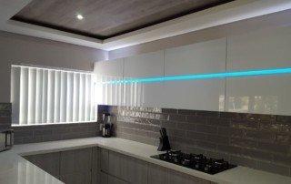 vertical-blinds-vertical-hanging-kitchen-blinds--320x202