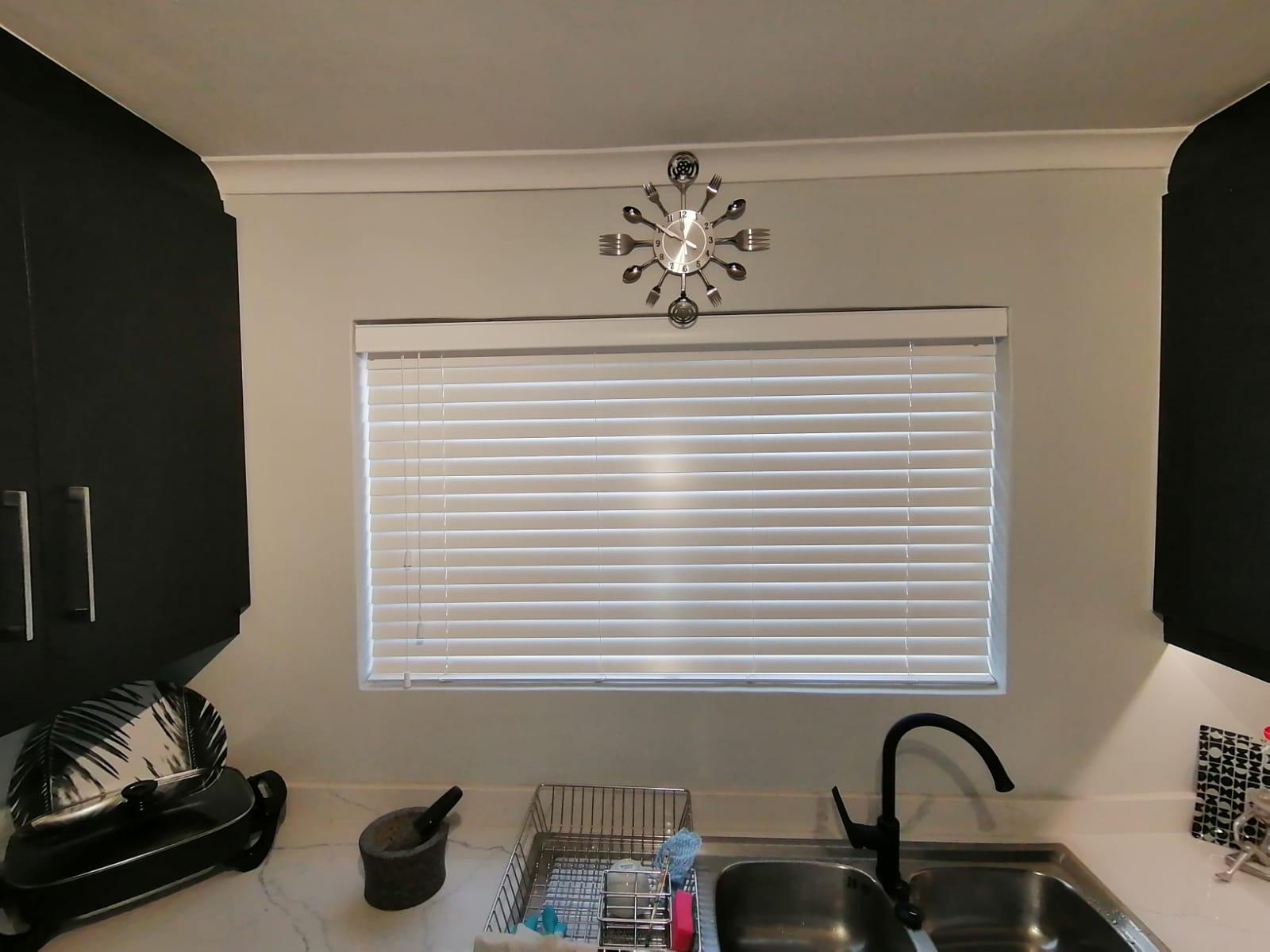 venetial blinds installer